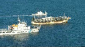 Capturan a un pesquero chino con más de 600 toneladas de calamar