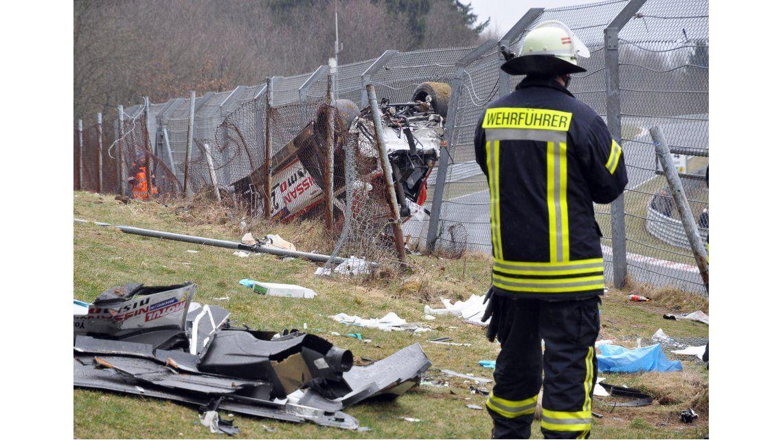 Impresionante: un auto voló y mató una persona en una carrera en Alemania