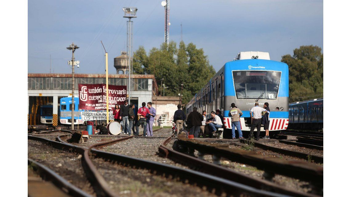 Ferroviarios lograron un aumento salarial del 26% por seis meses