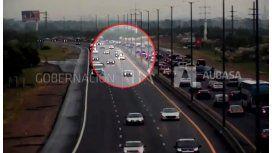 Un neumático suelto generó caos en la autopista