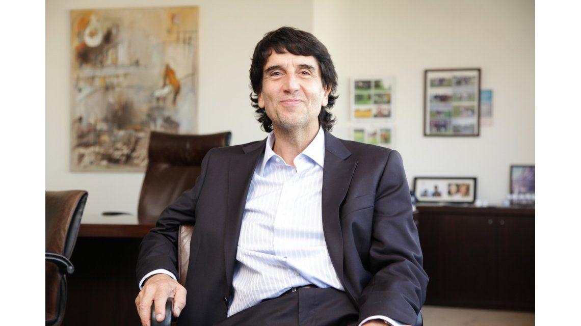 Melconian cruzó a su jefe político por su anuncio con respecto al dólar