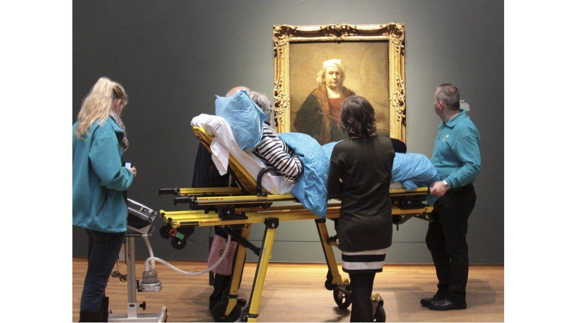 Pidió ver una exposición de Rembrandt antes de morir y le cumplieron ...