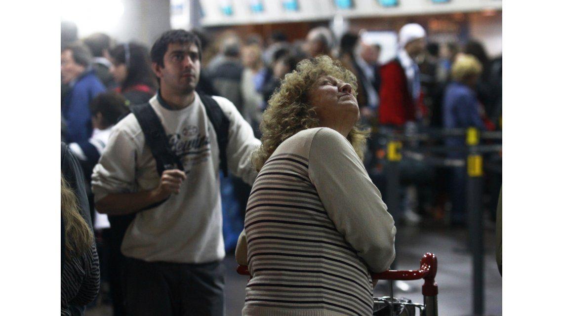 Sindicalistas amenazan con provocar demoras y cancelaciones en Aerolíneas Argentinas y Austral