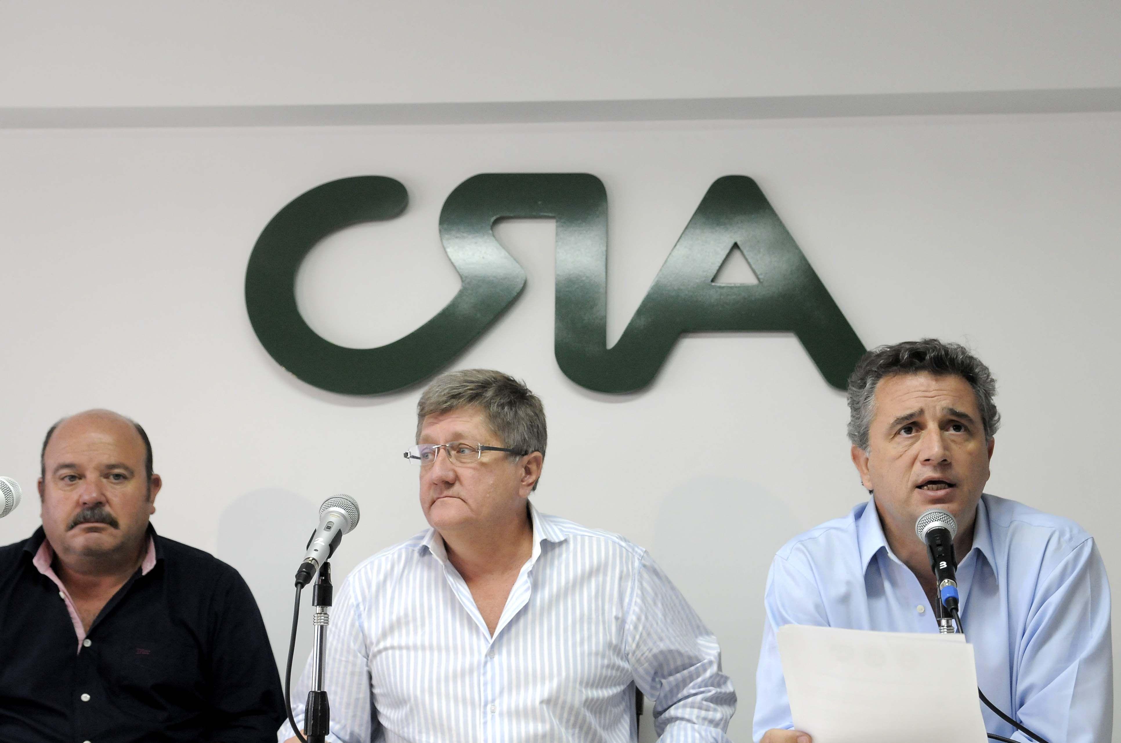 Sin la Federación Agraria, el campo anuncia un cese de comercialización de tres días