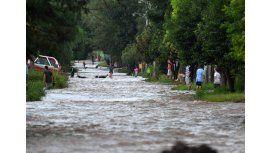Miles de evacuados y una ciudad aislada