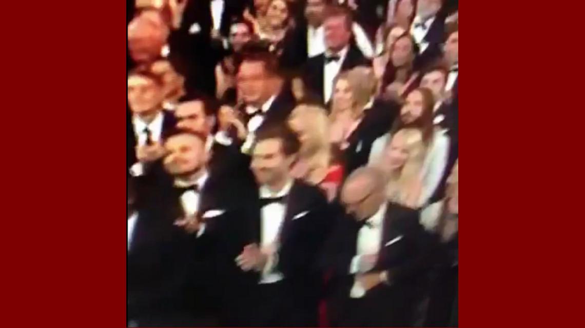 El triste momento en el que Michael Keaton pierde y se guarda el discurso en el saco: mirá el video