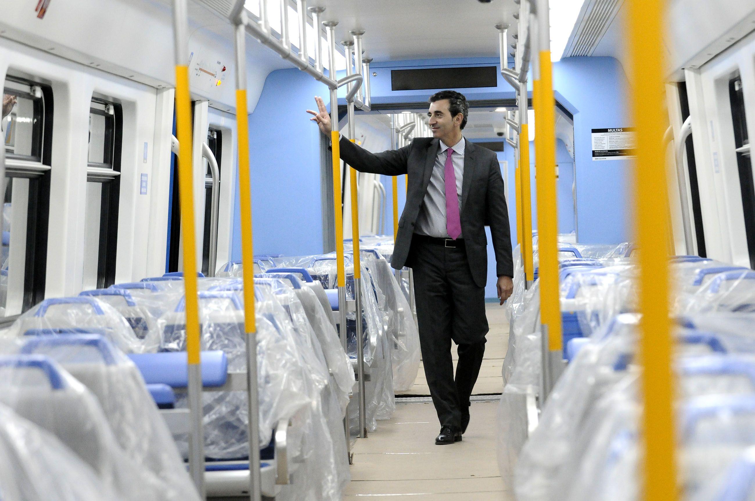 Randazzo viajó a Córdoba, en campaña y con promesa de trenes