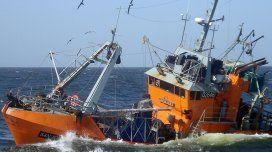 Se hundió un barco pesquero en Villa Gesell: buscan a 5 tripulantes