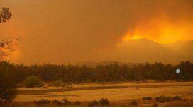 El gobernador de Chubut denunció que el incendio fue intencional