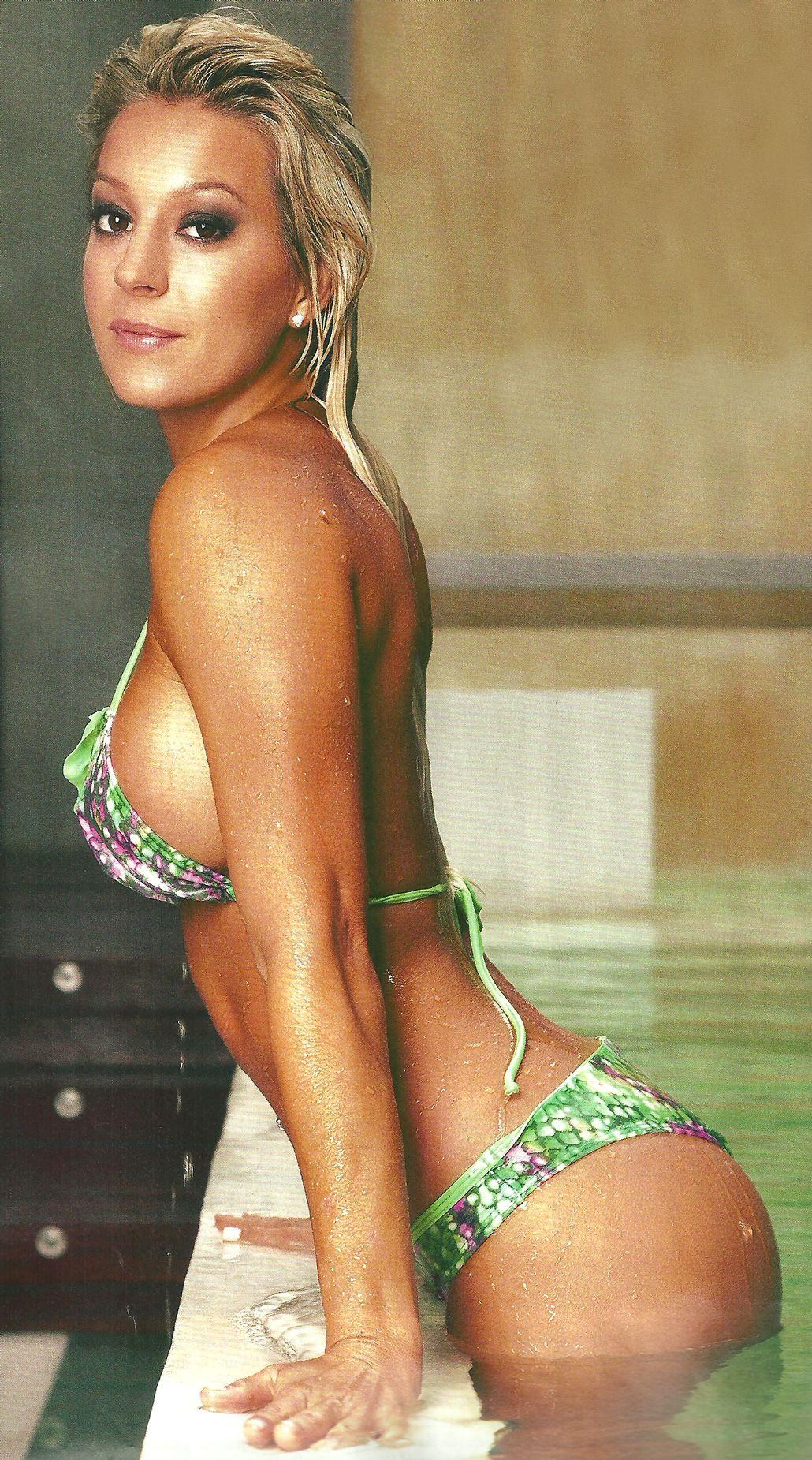 Amber midthunde,Iggy Azalea Gets Naked To Save Her Career Hot nude ADULT Amelle Berrabah,VIDEO Charlotte Perrelli