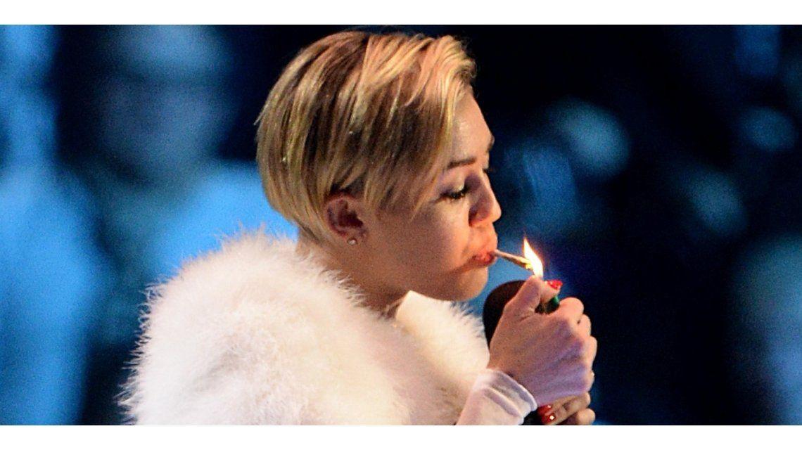 Miley Cyrus le envió un mensaje hot a su novio que era para su ex