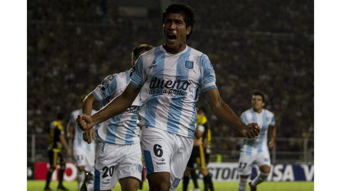 Racing goleó a Deportivo Táchira en el inicio de su sueño copero en Venezuela
