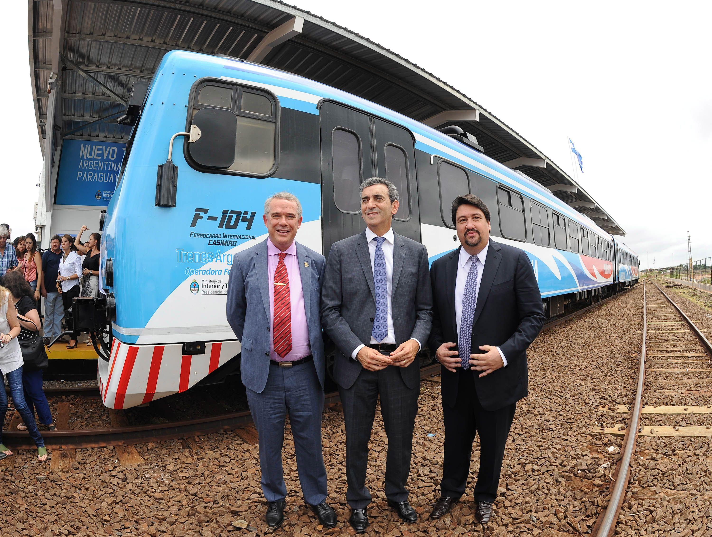 Trenes: Randazzo inauguró el servicio que unirá Posadas y Encarnación