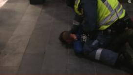 Mirá el brutal arresto a un nene