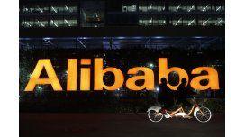 Alibaba apuesta por fabricante de teléfonos