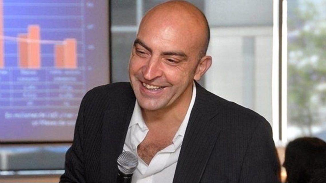 Murió el periodista Tomás Bulat en un accidente de tránsito