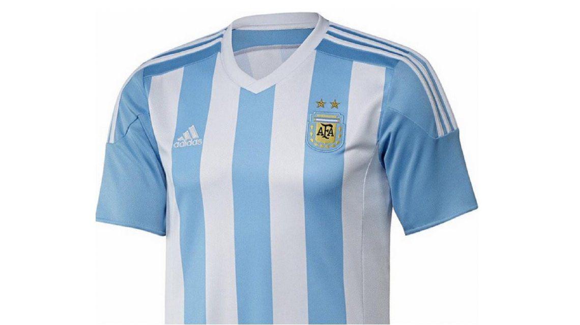 Ahora sí  ésta es la camiseta que usará Argentina en la Copa América ... e760547ab1756