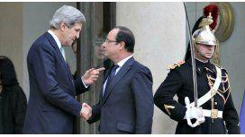 Francia descree de EEUU, que niega haber espiado a sus presidentes