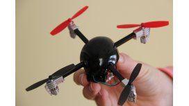 Lanzan mini drones para sacarse selfies aéreas