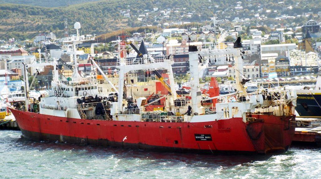 Suspenden permiso de pesca a una empresa sospechada de operar en Malvinas