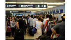Técnicos y mecánicos de LAN provocan demoras en Aeroparque