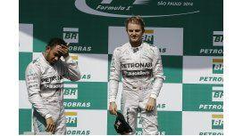 Rosberg hizo la pole en Abu Dhabi y sueña con el título