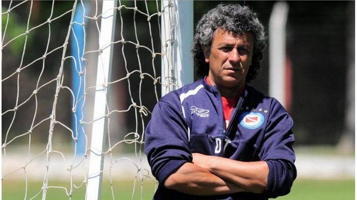 Tras su salida de Argentinos, Gorosito dirigirá en el ascenso español