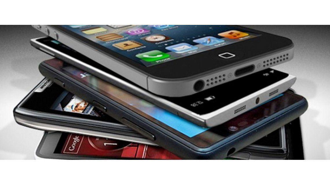 Dos de cada tres argentinos usan servicio de datos desde el smartphone