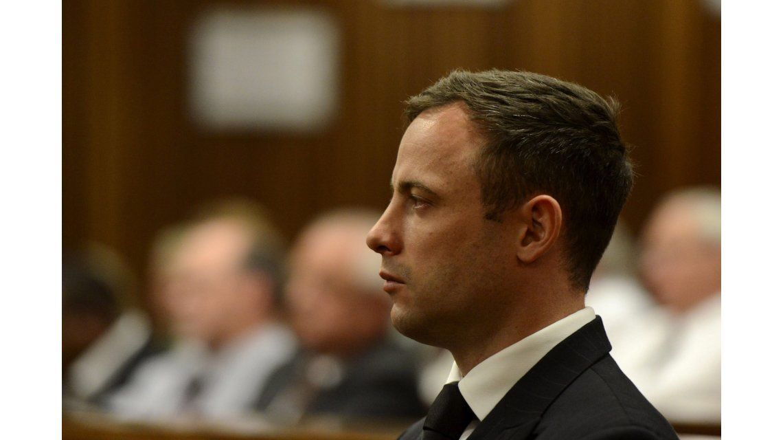 Pistorius fue condenado a 6 años de cárcel por el crimen de su novia