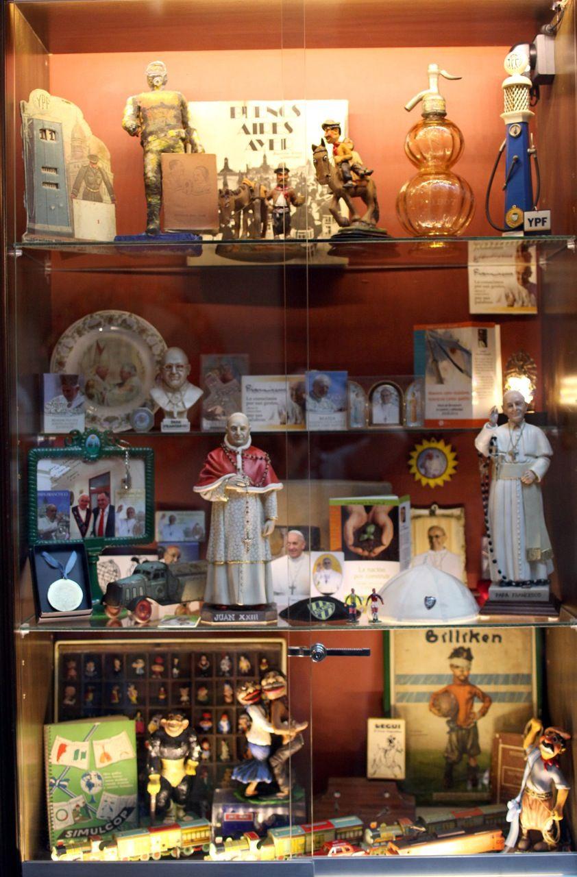 Café las Palabras, el refugio porteño del embajador en el Vaticano