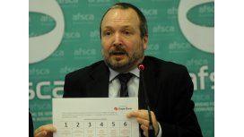 El titular de la AFSCA defendió el uso de la cadena nacional