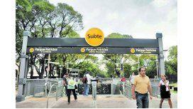 Parque Patricios: hallan a un hombre ahorcado en un poste de luz
