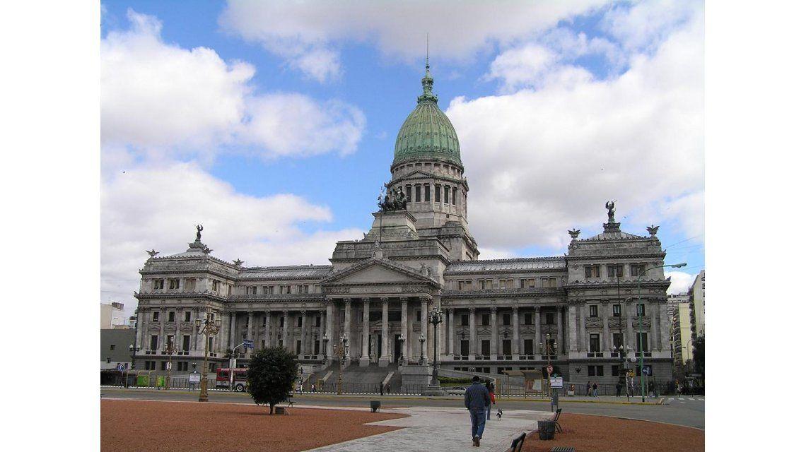 Habrá una intensa actividad esta semana con sesiones en ambas  cámaras legislativas y labor en comisiones