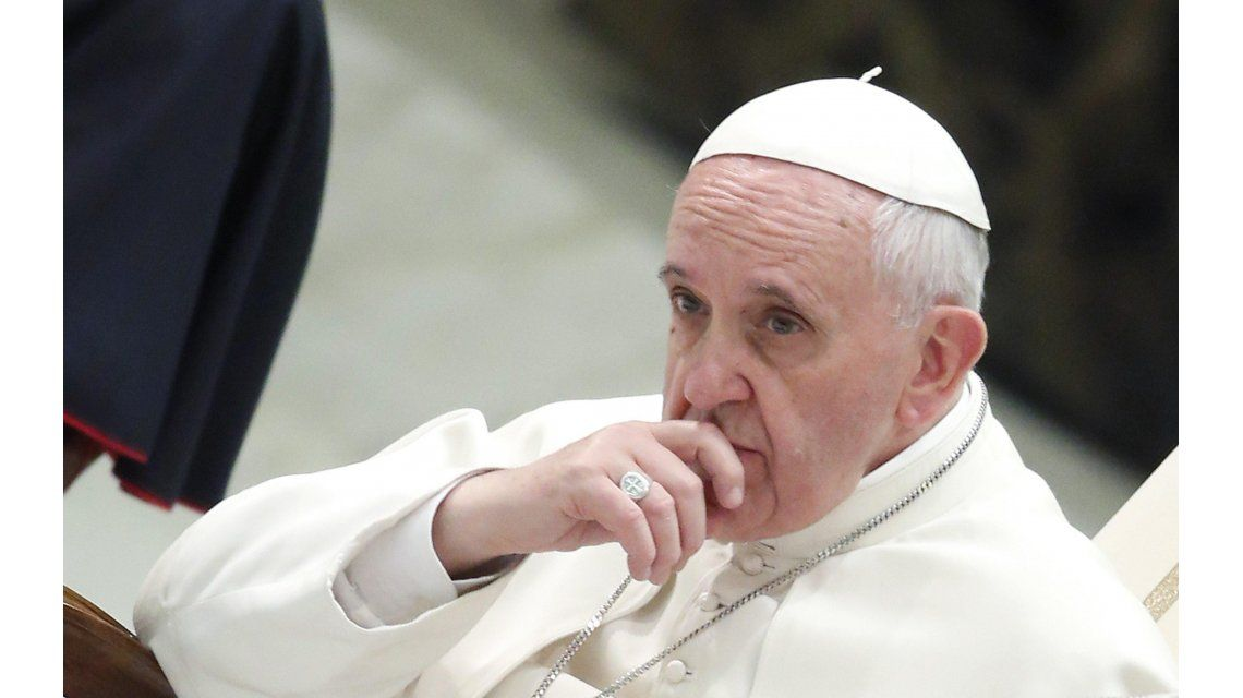 Detuvieron a tres sacerdotes por abusar a un joven cuando era menor
