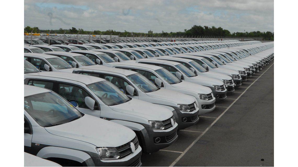 Reducen al 10% el impuesto interno para autos de más 350 mil pesos