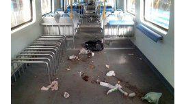 Así quedaron los trenes del Sarmiento después de los ataques por el paro