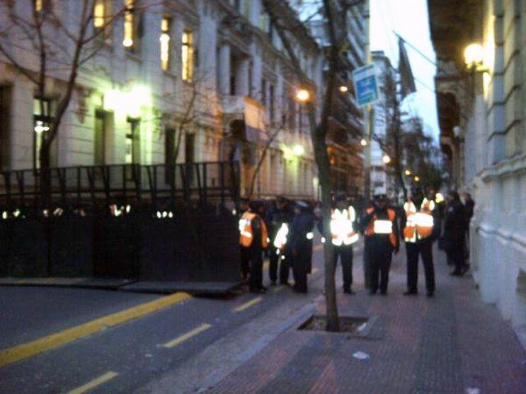 Marcha de trabajadores de Donnelley tras la denuncia de AFIP