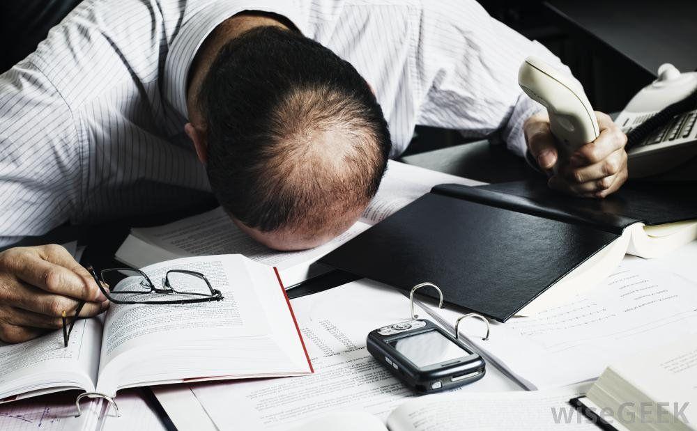 ¿Cuáles son los síntomas de que una persona es adicta al trabajo?