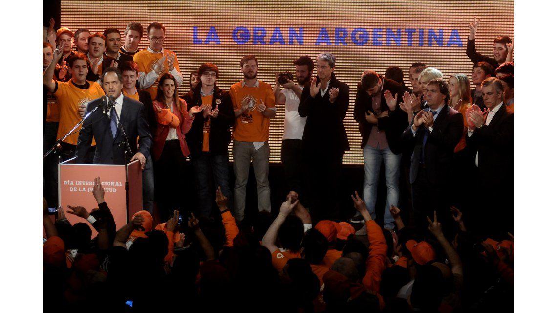 Scioli lanzó su candidatura presidencial en la Ciudad