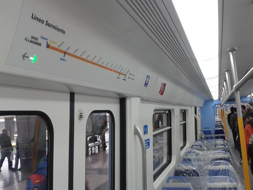 Los nuevos trenes del Sarmiento comienzan a funcionar este lunes