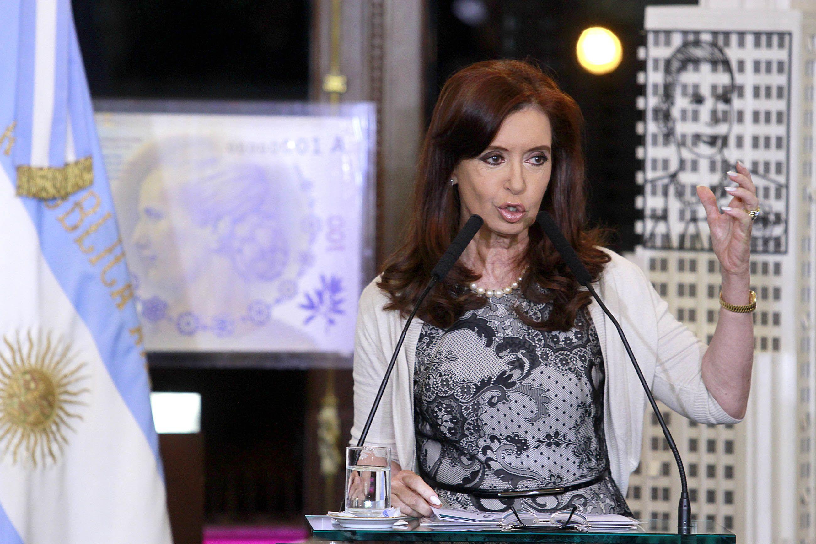 Cristina: No hay default selectivo, el mundo sigue andando y la Argentina también