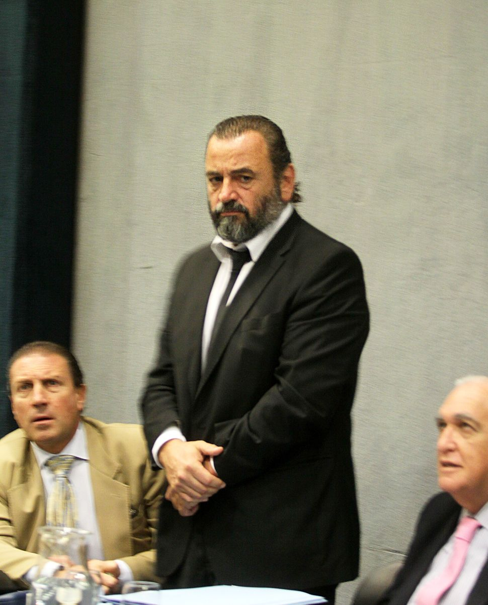 Se demora el jury a Campagnoli por una licencia