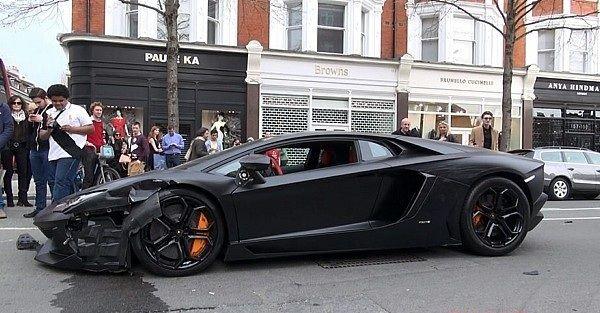 VIDEO: Así se destroza un Lamborghini de 500 mil dólares