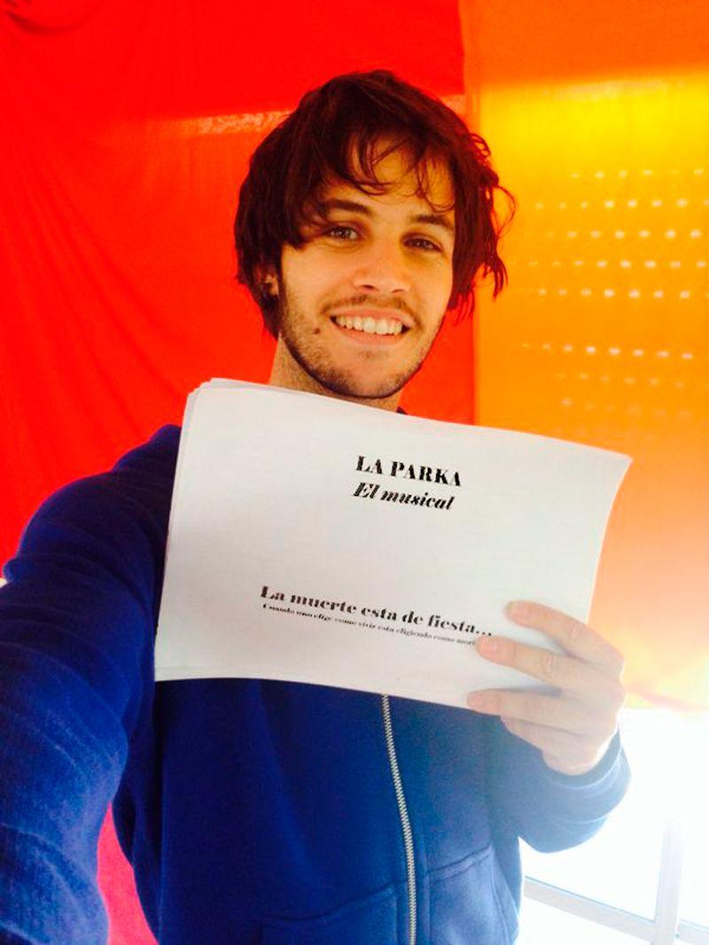 El actor Pablo Martínez se suma a la obra teatral La Parka