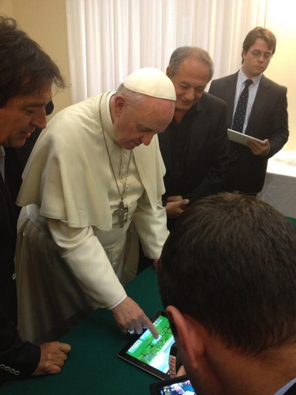 El Papa plantó un olivo virtual por la paz