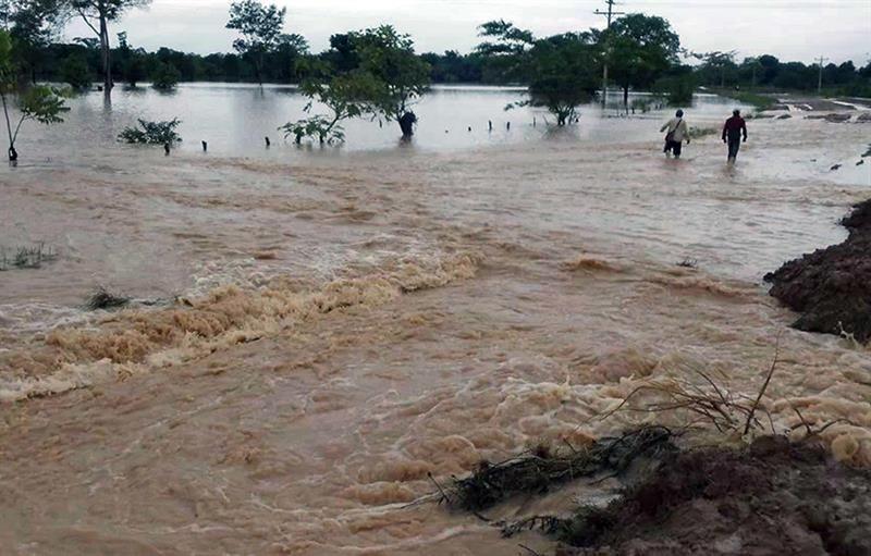 Argentina envía ayuda a Bolivia ante las inundaciones