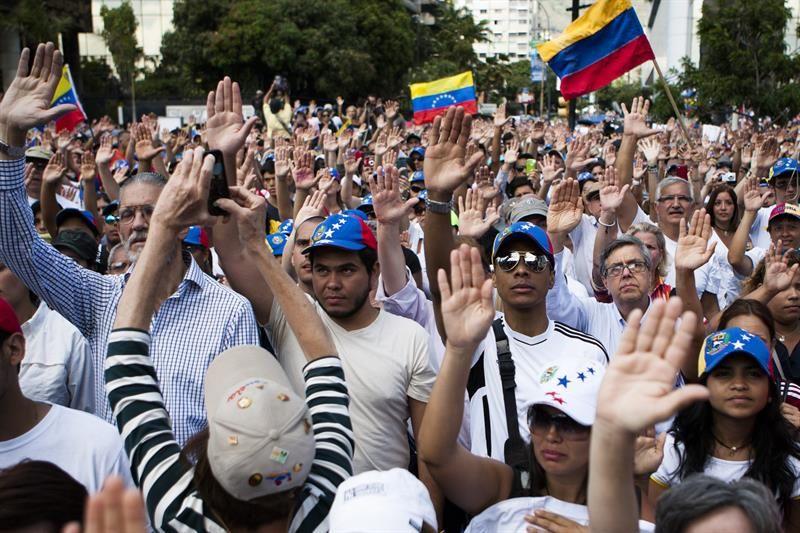 Miles de opositores y estudiantes volvieron a las calles de Caracas para protestar