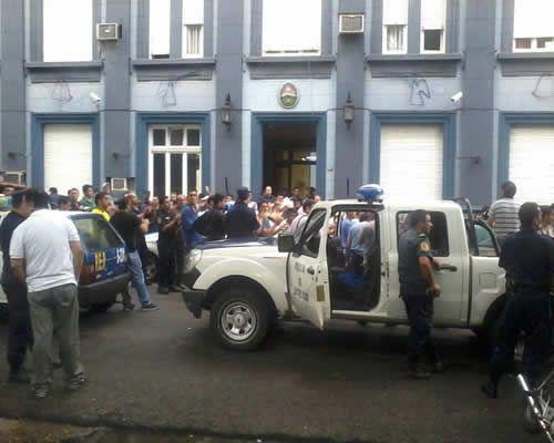 Misiones, Entre Ríos y Chaco dan marcha atrás con el aumento a policías