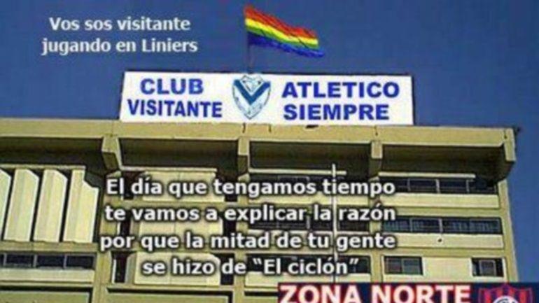 Los hinchas de San Lorenzo celebran con los clásicos afiches