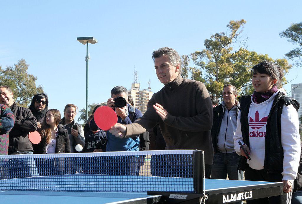 Oficial: instalarán mesas de ping pong en los parques y plazas de la Ciudad